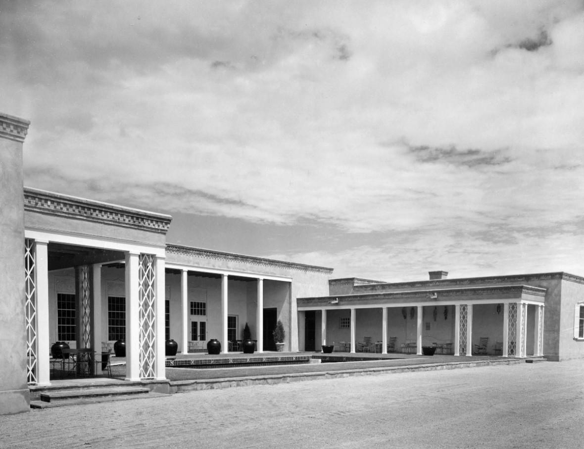 black and white photo of la Quinta building