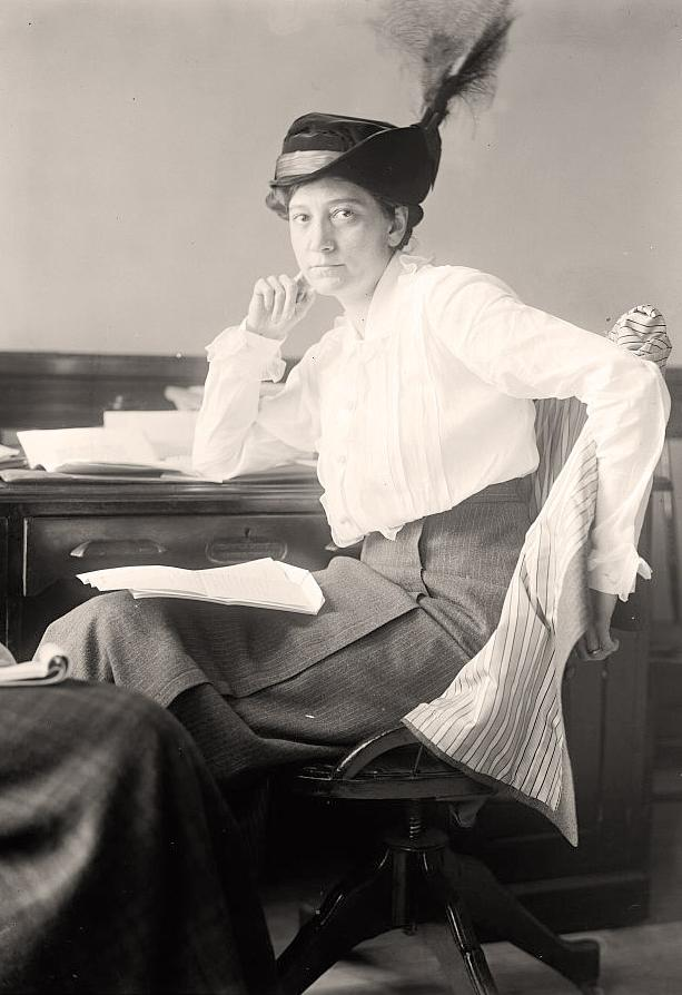 black and white photo of ruth hanna mccormick